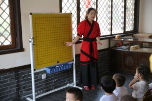 Sun Jing School set up dozens of Chinese traditional culture courses for kids